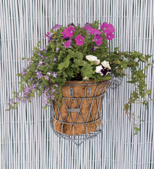 Blumenkorb mit Wandhalterung